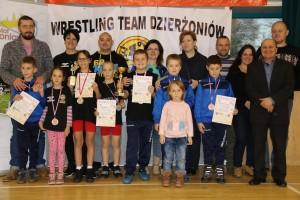 12-11-16team-junior-najmlodsi-z-rodzicami